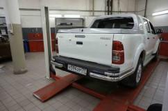 ST-Line Защита заднего бампера Toyota Hilux (2012-) /углы двойные