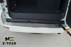 Накладка на бампер с загибом Toyota LAND CRUISER 150