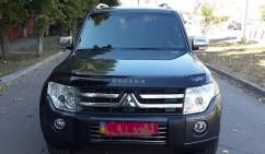 VIP Tuning Дефлектор капота  Mitsubishi Pajero 4 с 2006