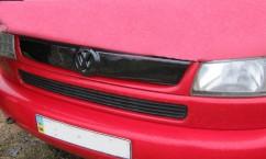 """AVTM Зимняя  накладка Volkswagen T4 1998-2003 """"косые фары"""" (верх реш)"""