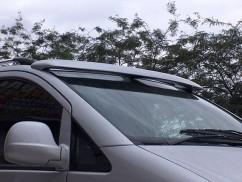 Козырек лобового стекла  Renault Тraffic/Opel Vivaro (01-)